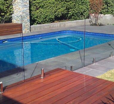 pool-fence-383x350-003